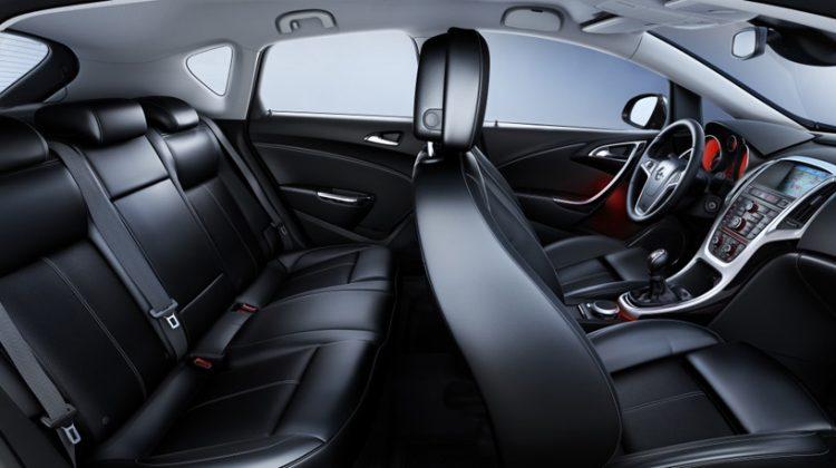 Opel divulga fotos do interior do novo astra blogauto for Opel astra f interieur