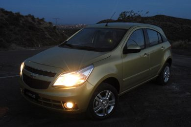 Chevrolet Agile 2010 hatch compacto