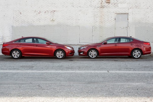 Hyundai Sonata vs. Kia Optima (foto: Inside Line)