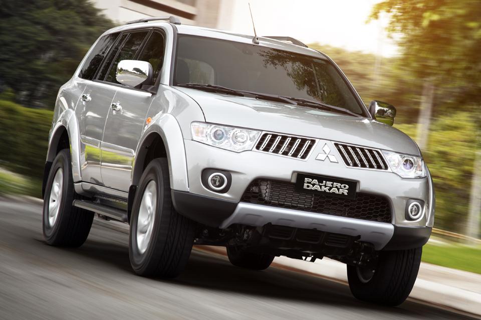 Mitsubishi apresenta Pajero Dakar 2012