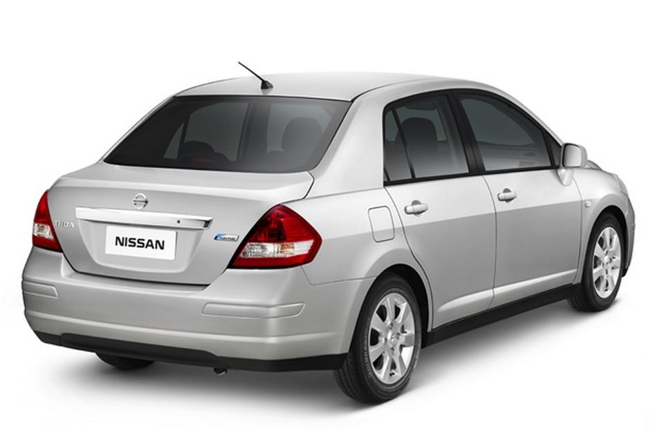 Nissan Lan 231 A Linha 2013 Do Tiida Sedan Com Rodas De Liga