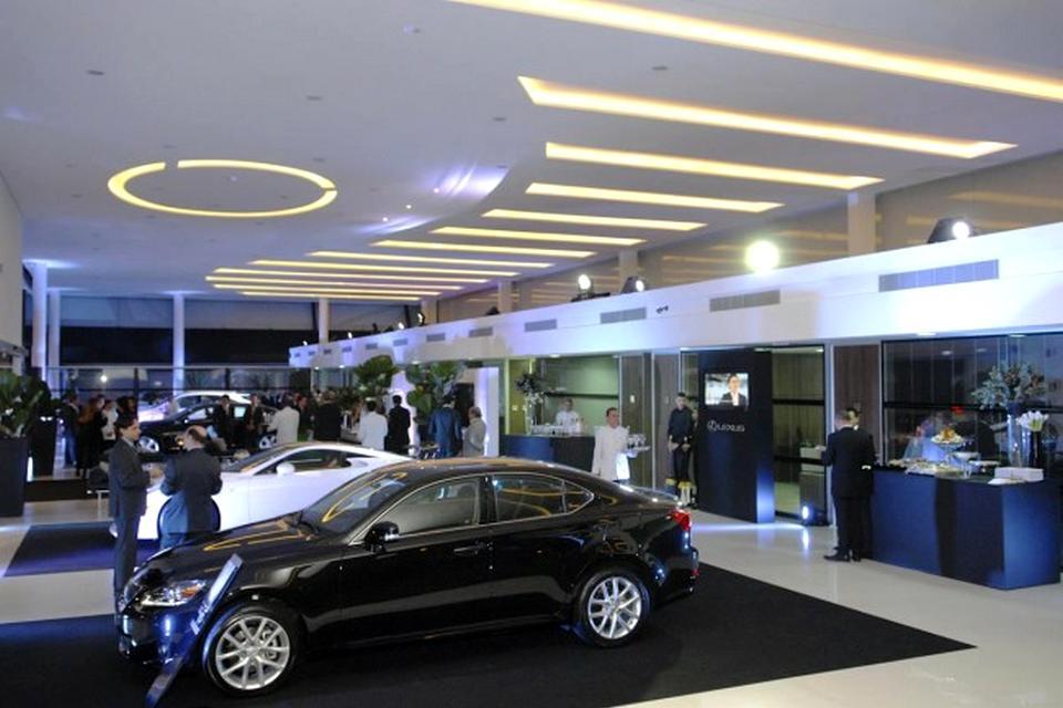 Lexus inaugura primeira concession ria brasileira blogauto for Filtro aria abitacolo lexus es 350 2012