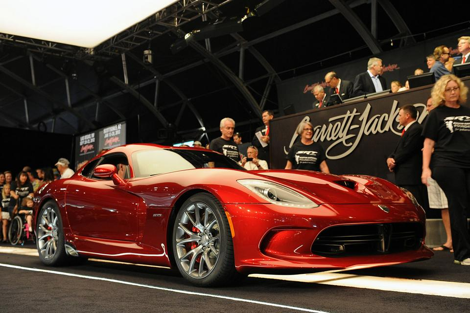 SRT Viper no leilão californiano