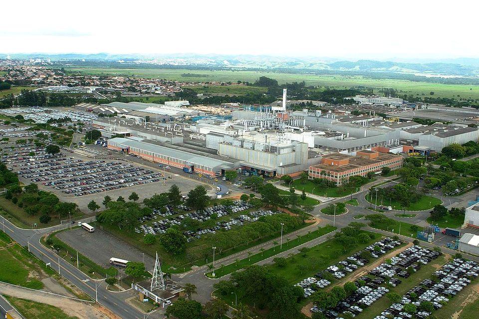 General Motors suspende operações do Complexo de São José dos Campos