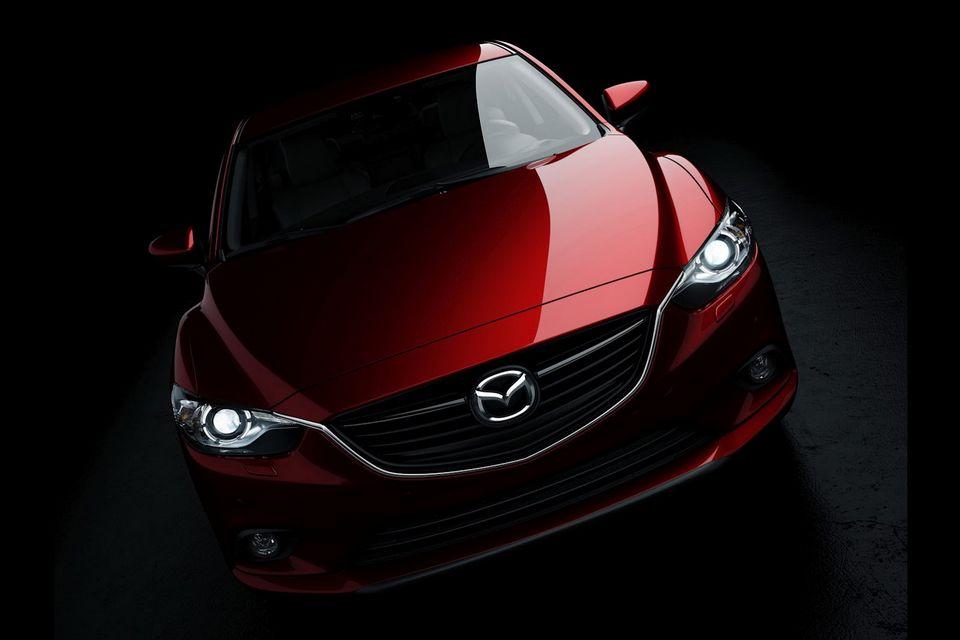 Mazda divulga primeira imagem da nova geração do Mazda6
