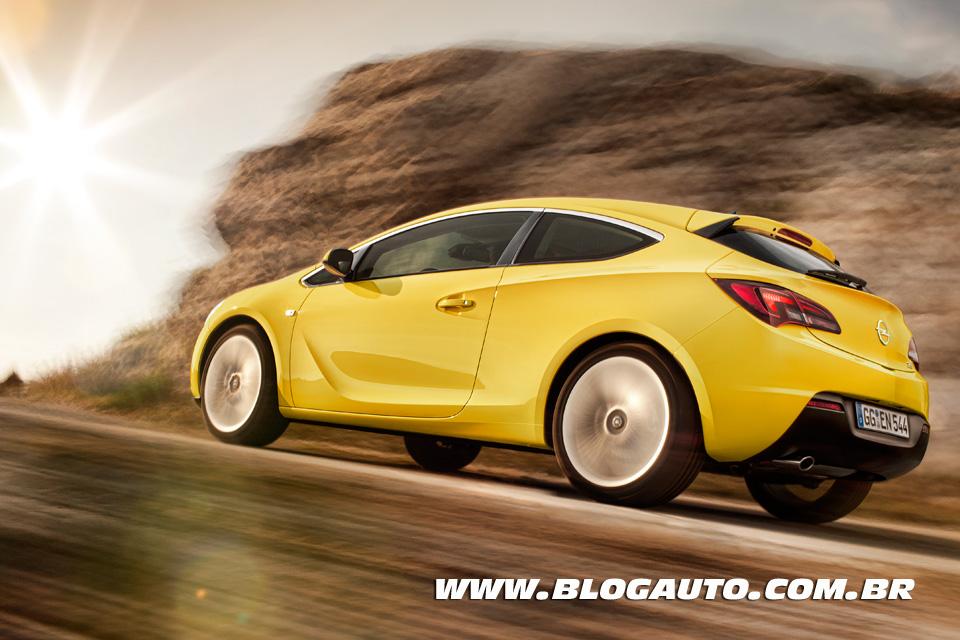 Galeria de fotos do cupê Opel Astra GTC