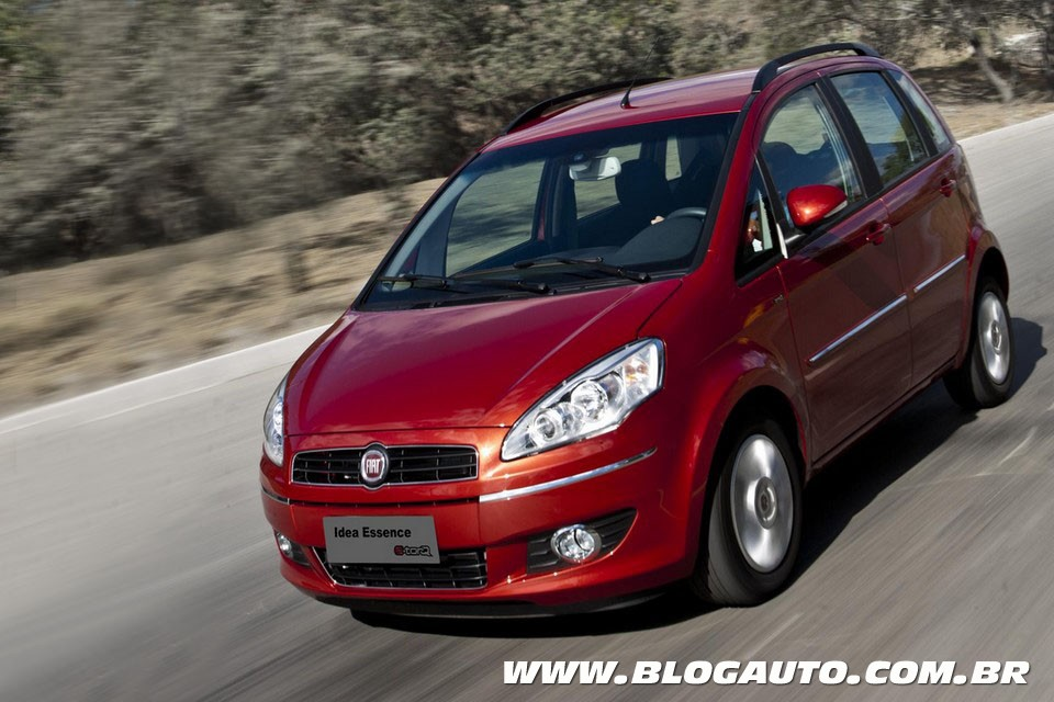 Fiat Idea ganha versão Plus do câmbio Dualogic