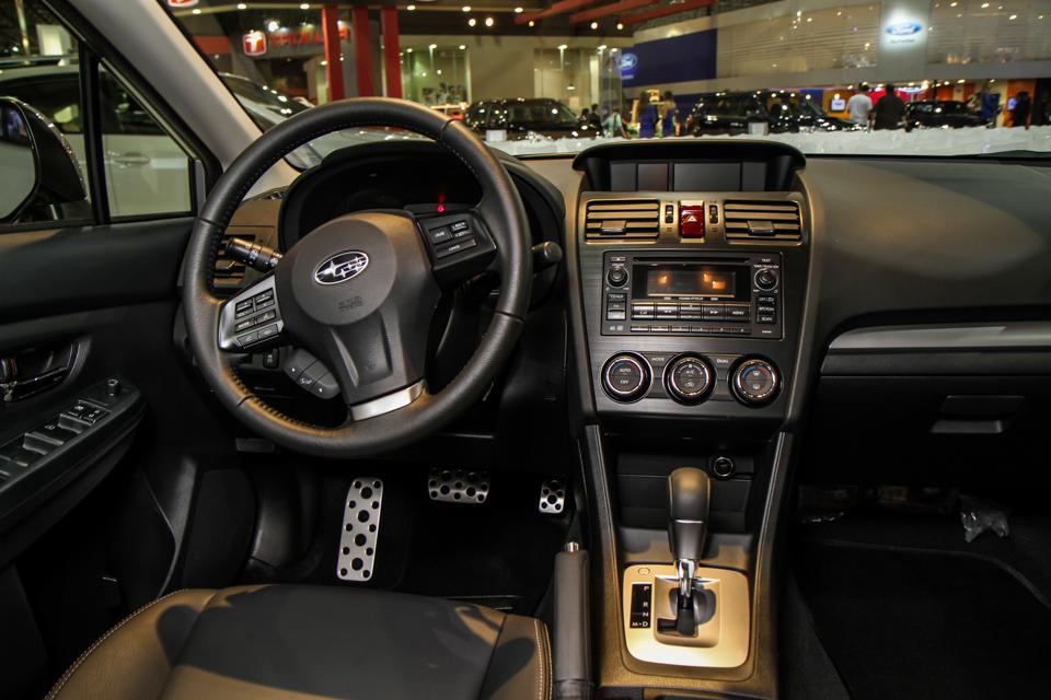 http://www.blogauto.com.br/wp-content/2012/10/Subaru-impreza-salaosp12-05_960_640.jpg