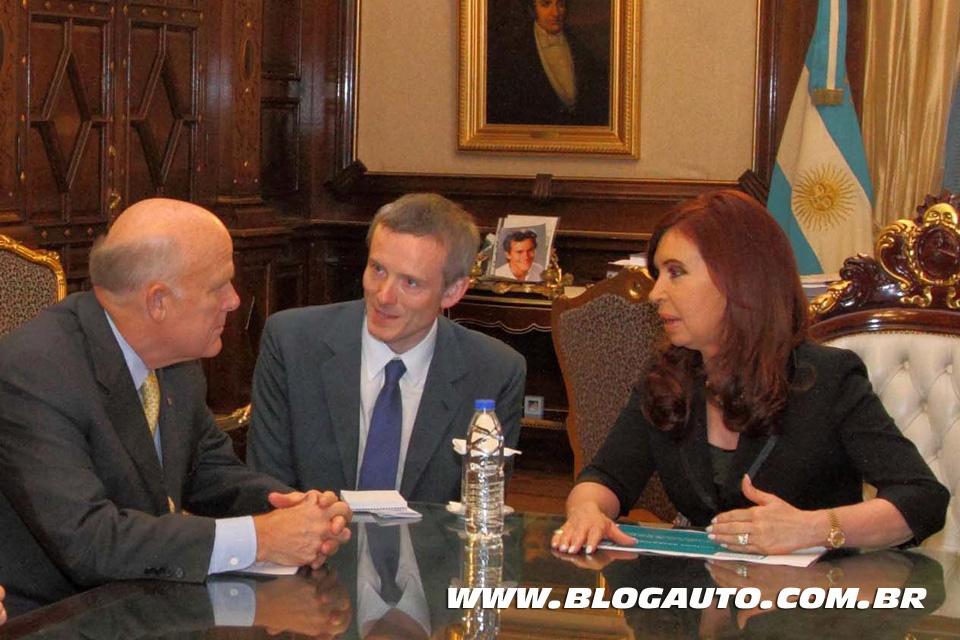 Dan Akerson com a presidente da Argentina Cristina Kirchner