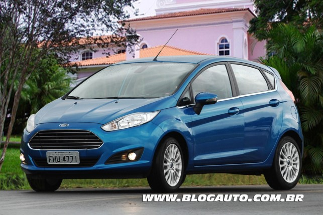 Ford New Fiesta 2014 Azul California