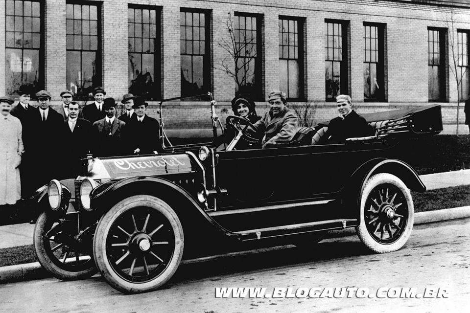 Conheça as marcas de automóveis do Clube dos 100 anos