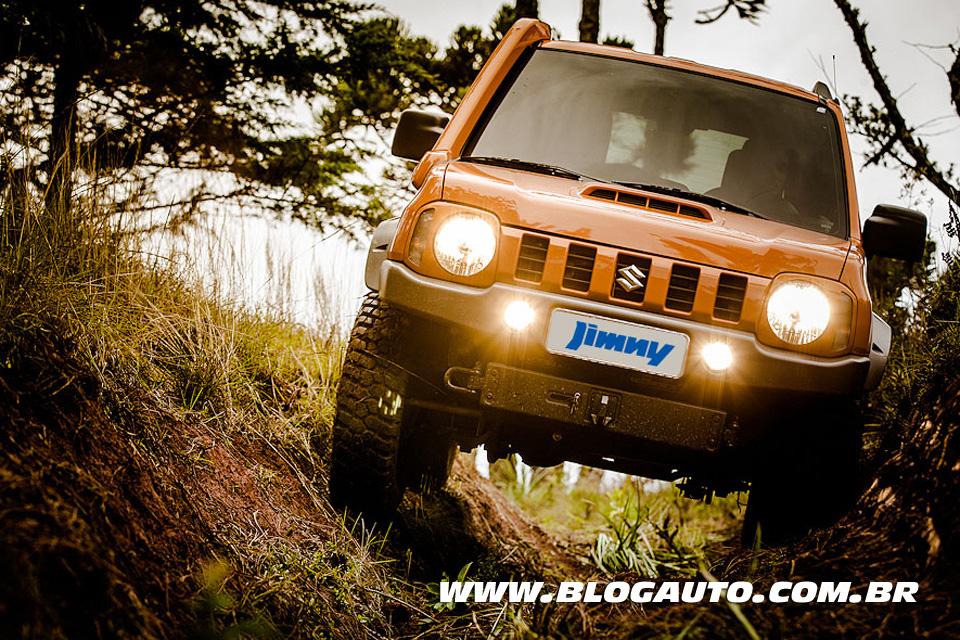 Avaliação: Suzuki Jimny 2013 pelas trilhas de Campos