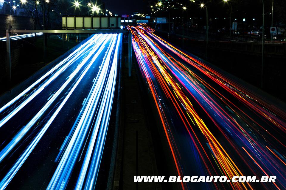Carros à noite