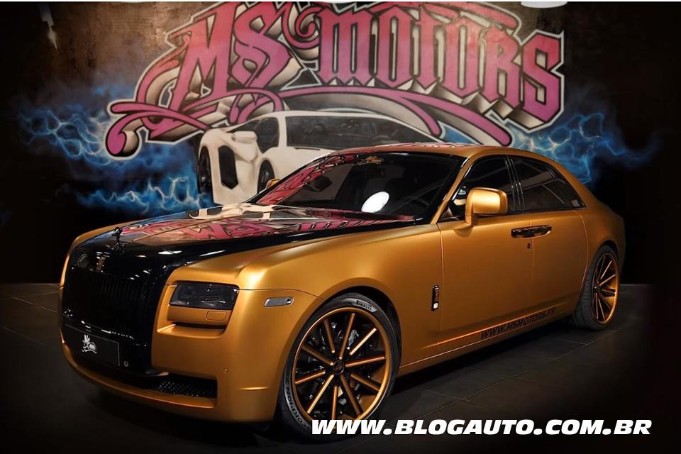 Rolls-Royce Ghost envelopado em dois minutos