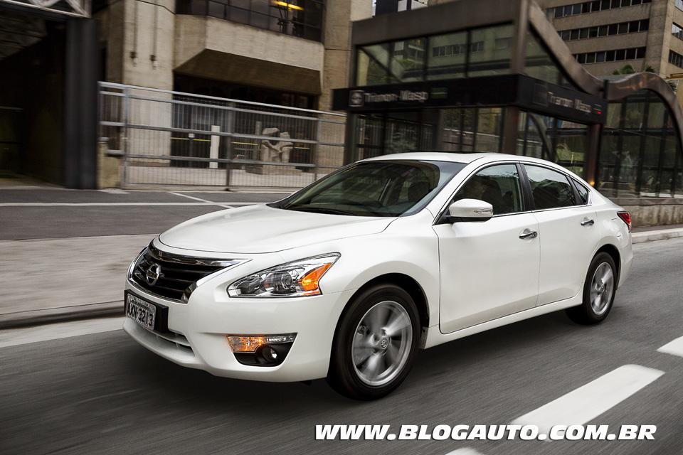Avaliação: Nissan Altima 2014 para enfrentar o Ford Fusion