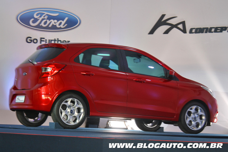 novo ford ka 2015 ser tudo menos um ka blogauto. Black Bedroom Furniture Sets. Home Design Ideas