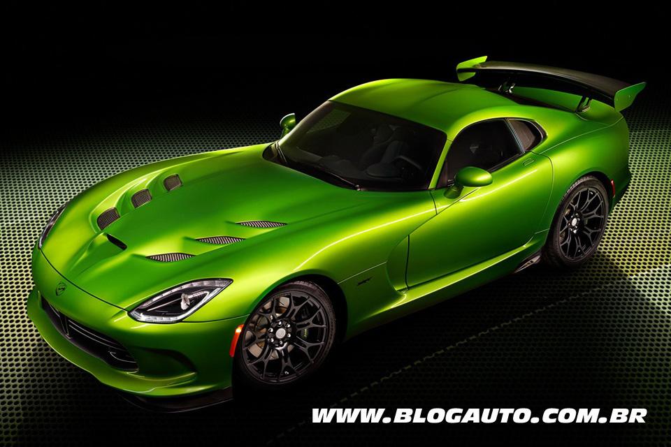 SRT Viper Stryker tudo verde em Detroit