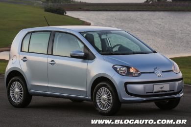 Volkswagen up! 2015 Prata Lunar ou Clear Water
