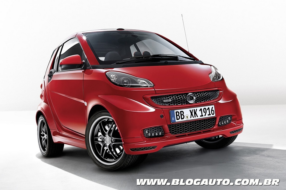 Smart ForTwo Brabus Xclusive Red Edition brilha em Genebra