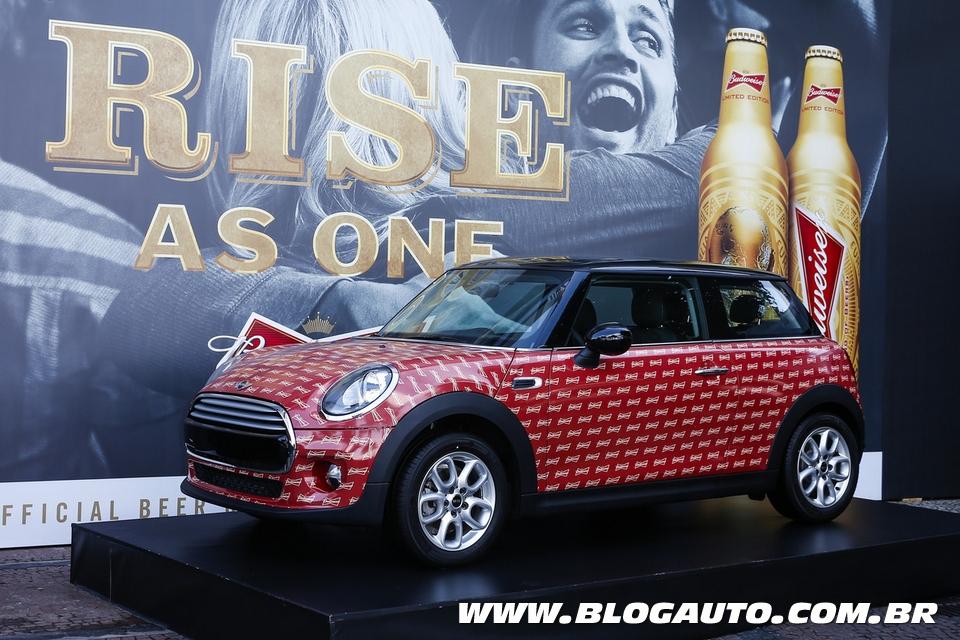 MINI e Budweiser firmam parceria para realizar festa no Rio