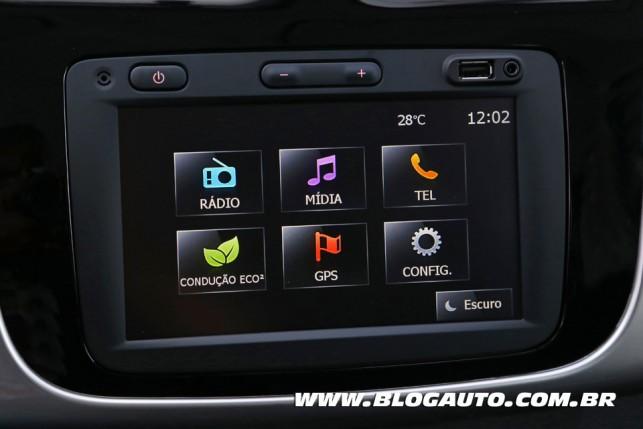 Central MediaNav, da Renault: uma das mais fáceis de parear o celular e intuitivas de usar
