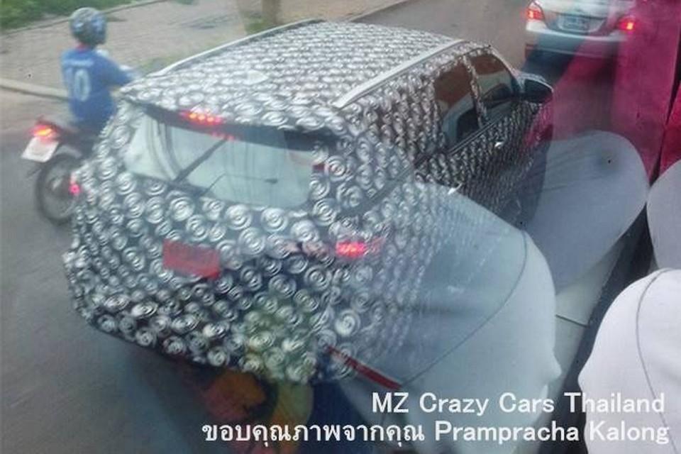Toyota SW4 de nova geração é flagrado em testes