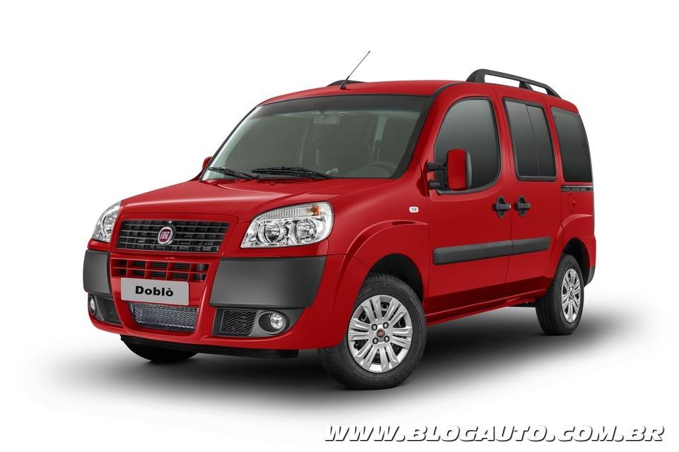 Fiat Doblò 2015 fica mais equipado