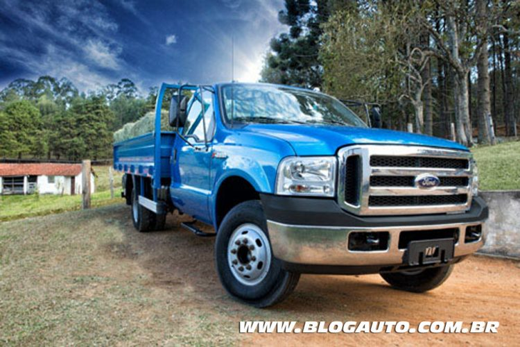 Ford F4000 2015