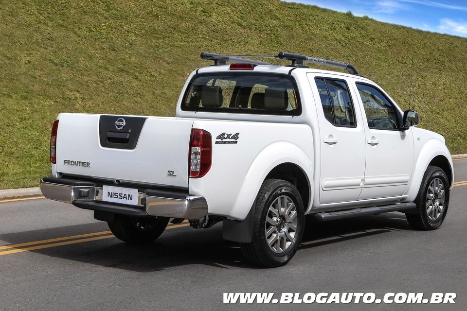 2017 nissan frontier reviews and rating motor trend 2017. Black Bedroom Furniture Sets. Home Design Ideas