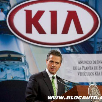 Enrique Peña Nieto, presidente do México, comemora fábrica da Kia em seu país