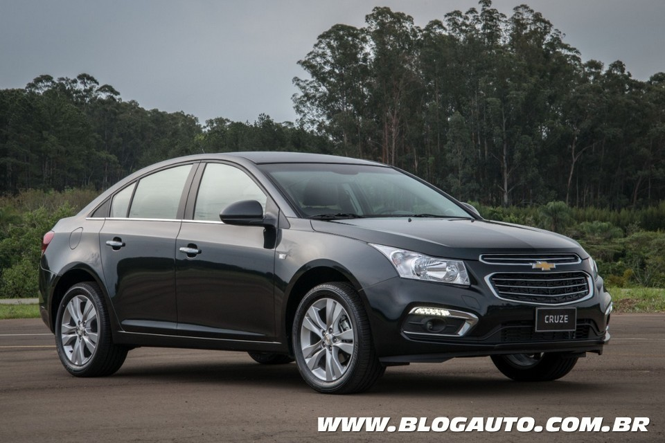 chevrolet mostra cruze 2015 e spin activ ao sal o blogauto. Black Bedroom Furniture Sets. Home Design Ideas