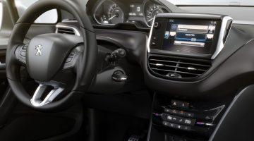 Primeira imagem do interior do Peugeot 2008 nacional