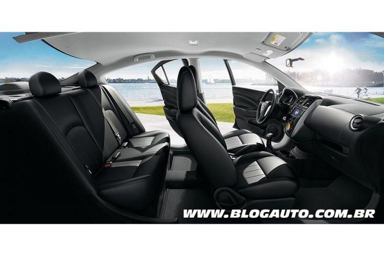 Interior do Nissan New Versa