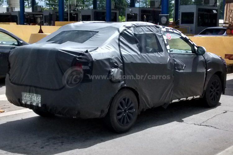 Chevrolet Cobalt reestilizado é flagrado por leitor do iG
