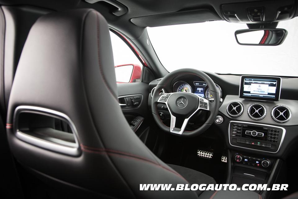 avalia o mercedes benz gla 250 completa a linha do crossover blogauto. Black Bedroom Furniture Sets. Home Design Ideas