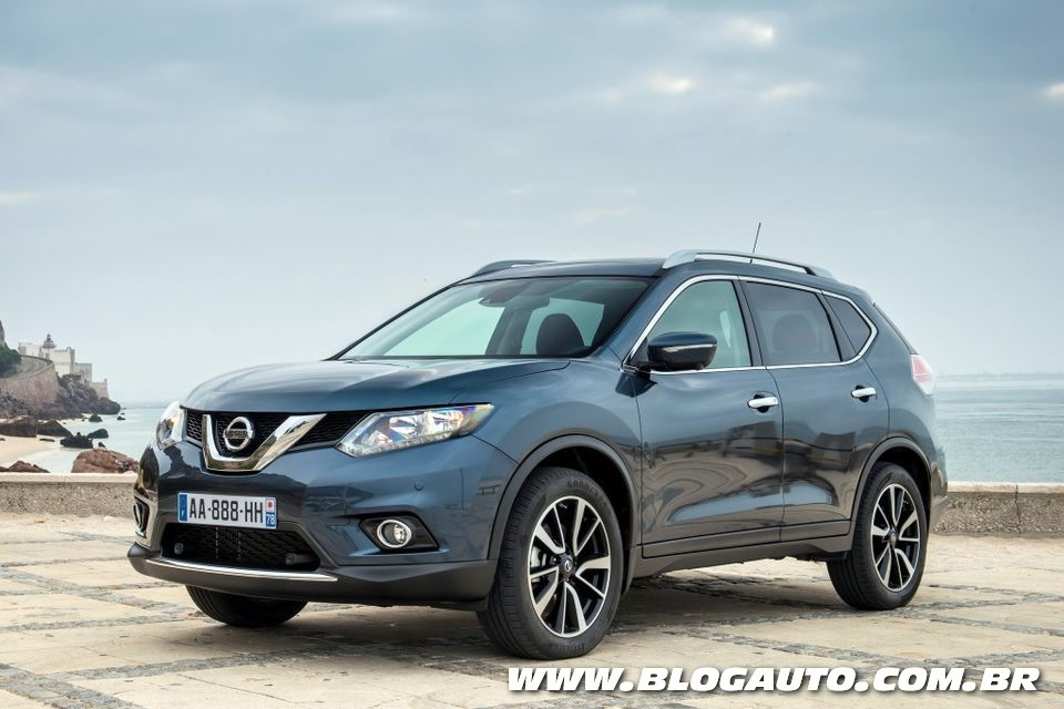 nissan x trail conhe a o modelo que pode chegar ao brasil blogauto. Black Bedroom Furniture Sets. Home Design Ideas