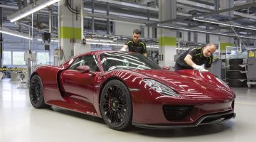 Porsche 918 Spyder na fábrica de Stuttgart
