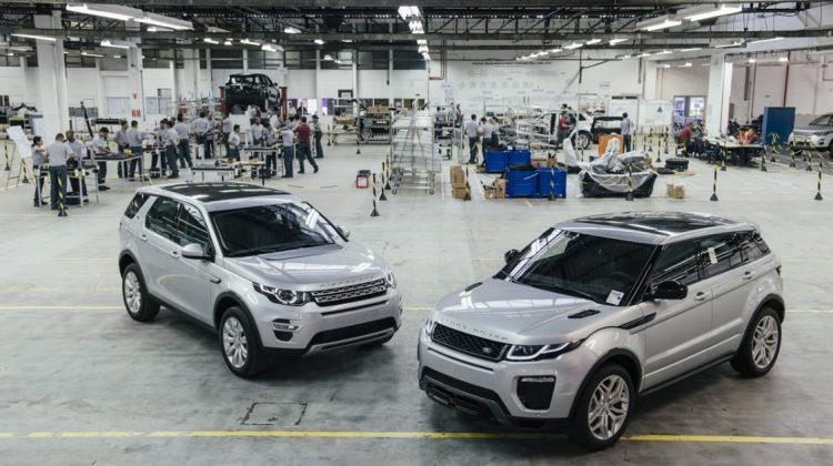 Discovery Sport e Range Rover Evoque na fábrica de Itatiaia