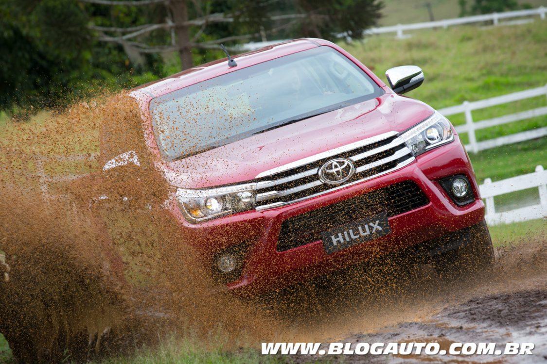 Avaliação: Toyota muda tudo na Hilux 2016