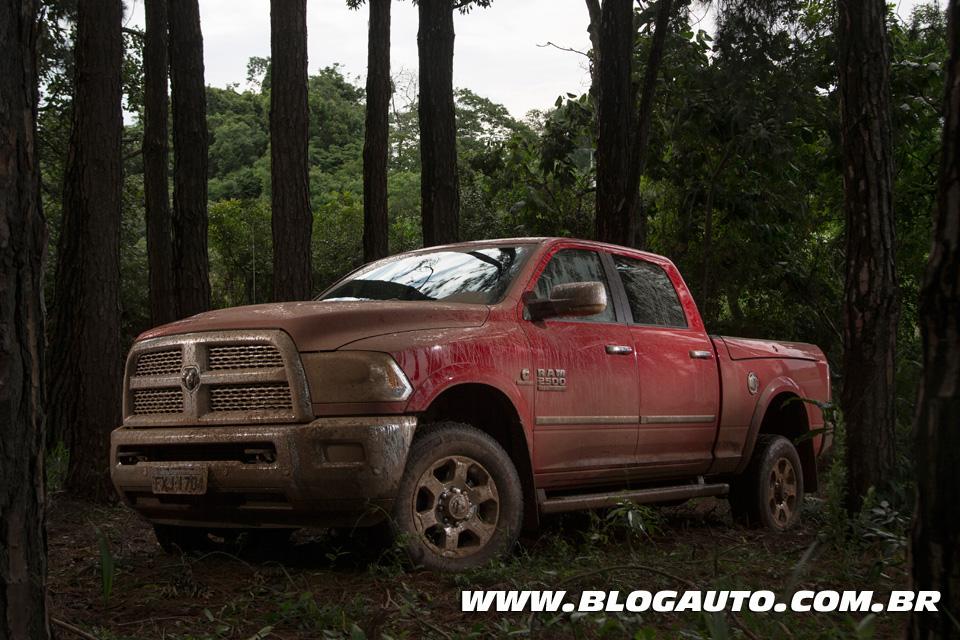 Avaliação: RAM 2500 2016, a gigante voltou