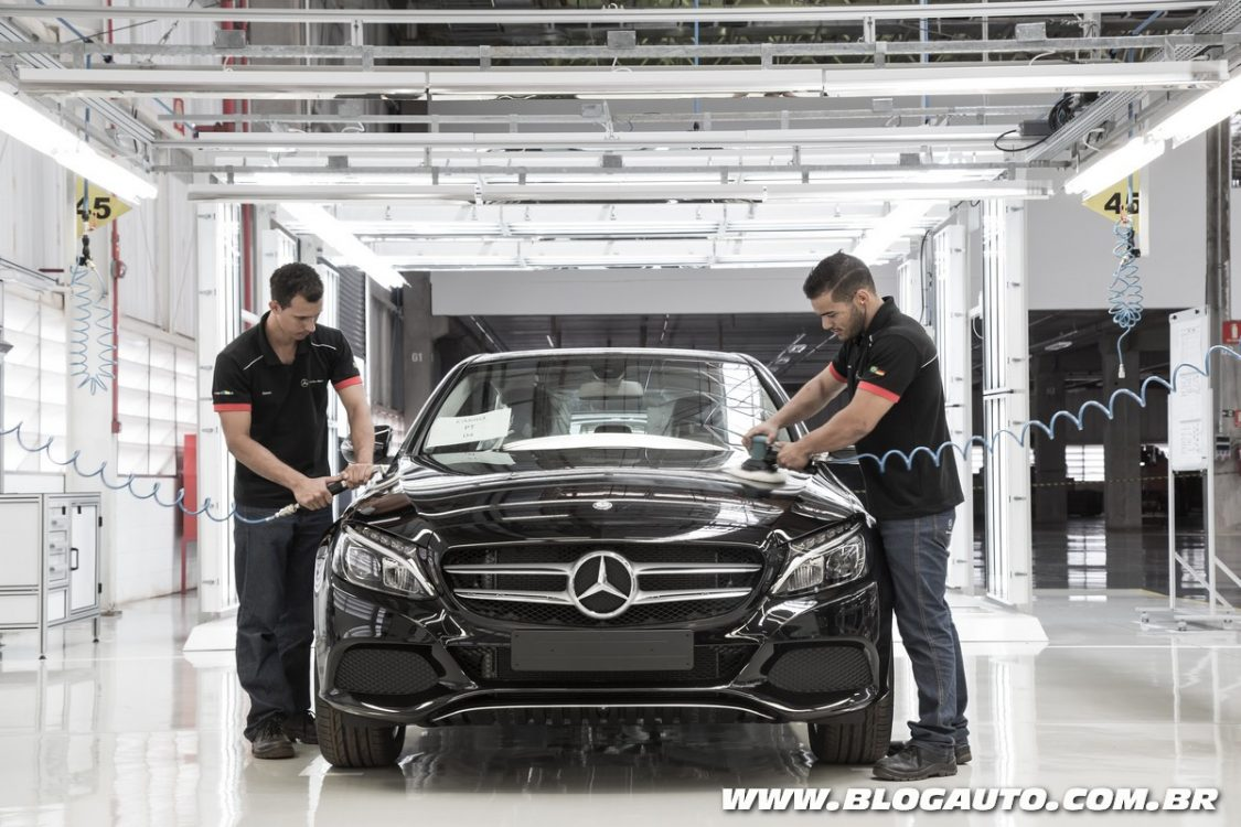 Mercedes Benz Inaugura Fábrica De Carros No Brasil