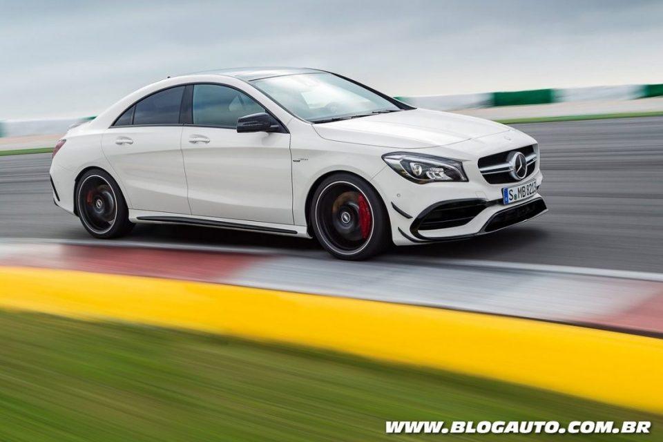 Mercedes-AMG CLA45 2017 tem motor turbo de quatro cilindros