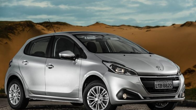 Peugeot 208 2017 1.2 litro
