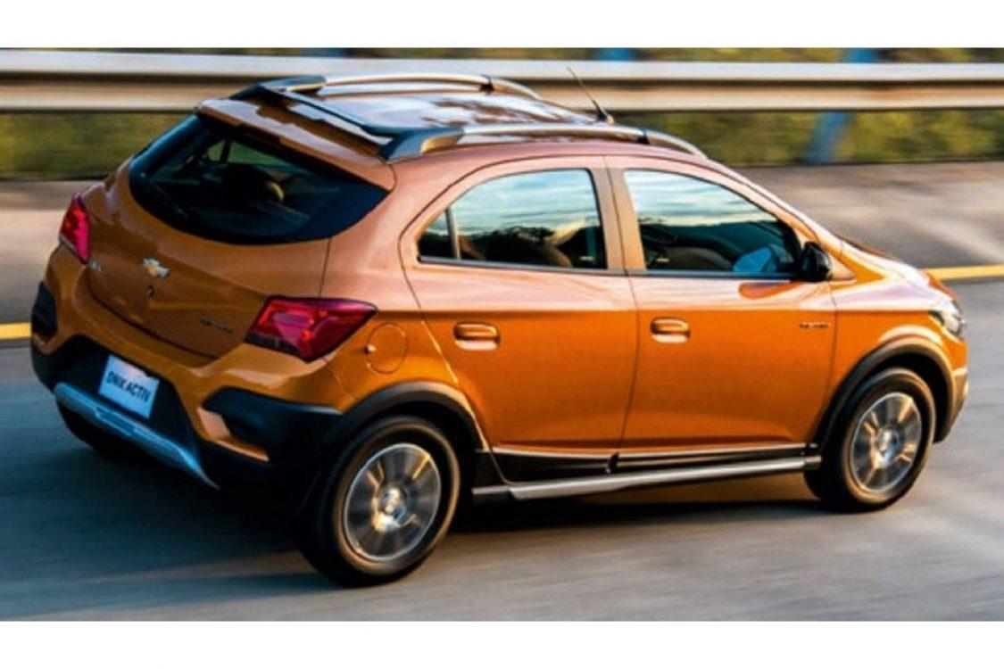 Chevrolet Onix e Prisma 2017 aparecem antes da estreia - BlogAuto
