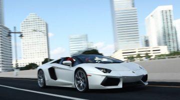 Lamborghini Aventador LP 700-4 Roadster, que custa R$ 4,7 milhões, é o carro mais caro à venda no Brasil