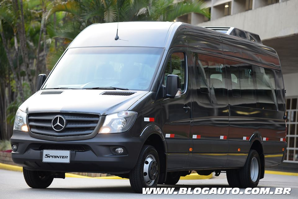 avalia o mercedes benz sprinter 2017 agora mais sofisticada blogauto. Black Bedroom Furniture Sets. Home Design Ideas