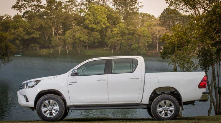 Toyota Hilux 2017 Flex e Toyota SW4 2017 Flex