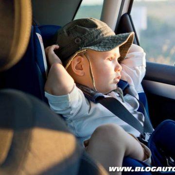 Crianças no interior do veículo