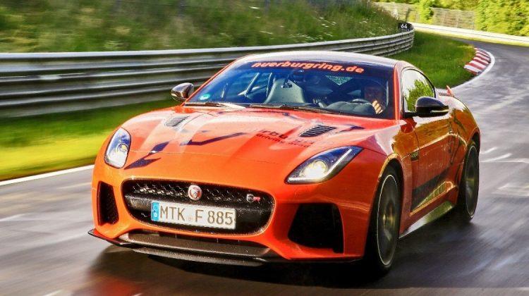 Jaguar F-Type SVR na pista de Nürburgring
