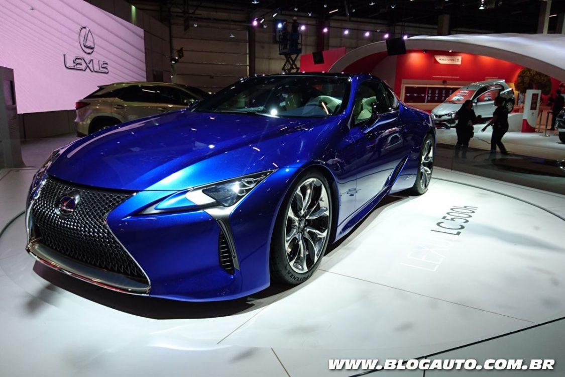 Lexus destaca conceitos no Salão do Automóvel